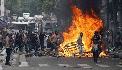 Paris Muslim Riot, 2014 (Photo: Gates of Vienna)