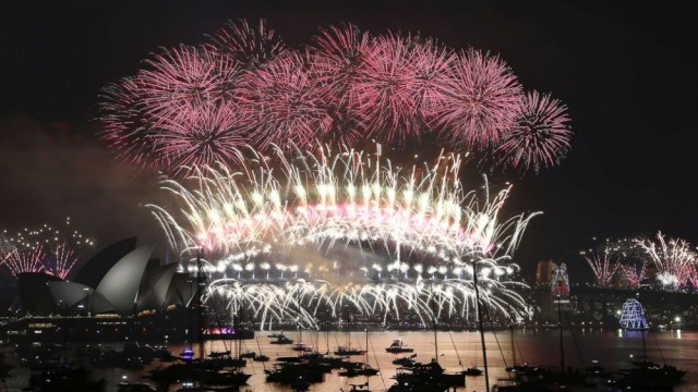 Sydney, Australia New Year's Day Fireworks (Photo: AP)