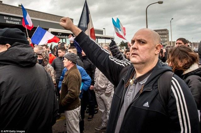 PEGIDA Calais France