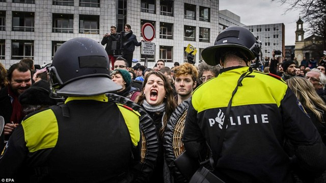 Counter-protest against PEGIDA - Amsterdam